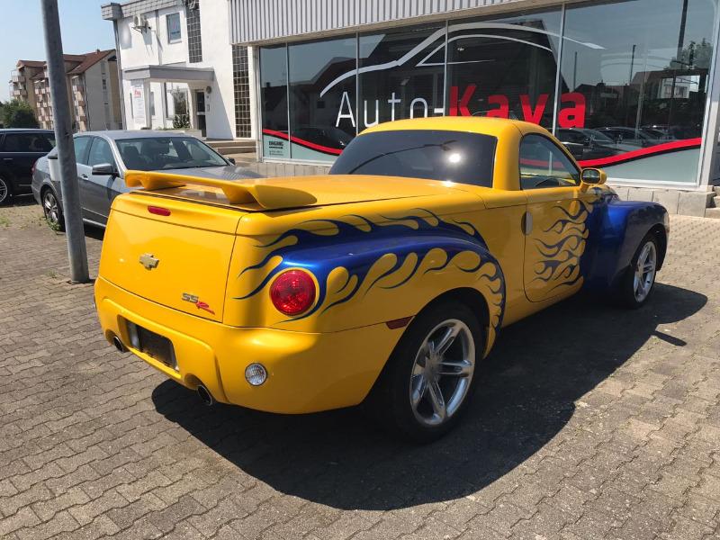 ChevroletSSR-03.jpeg